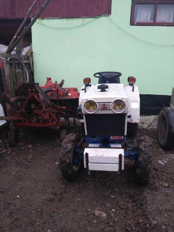 Vand tractoraș 4x4