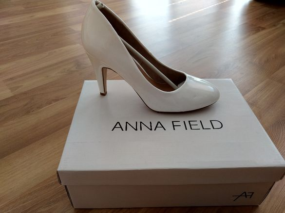 Нови бели обувки Anna Field