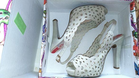 Дамски високи сандали