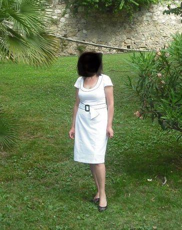 Уникална бяла рокля с колан