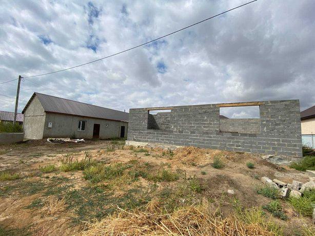 Продается недосторенный дом в районе Жером