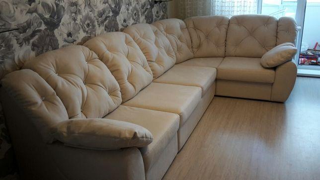 Перетяжка,ремонт,реставрация мягкой мебели.