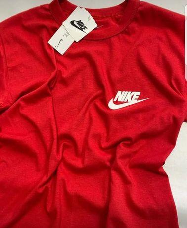 Tricouri pentru bărbați noi