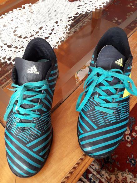 Продавам Adidas футболни обувки за зала No 38