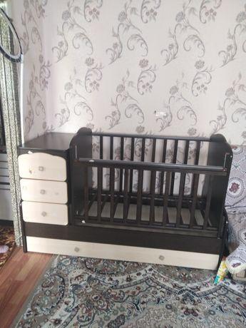Продаётся кроватка качалка