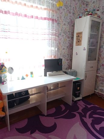 Стол письменный со шкафом
