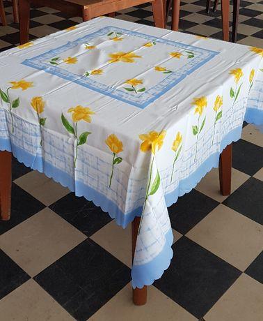 Текстилна Покривка за маса 160 х 160 см - Разпродажба