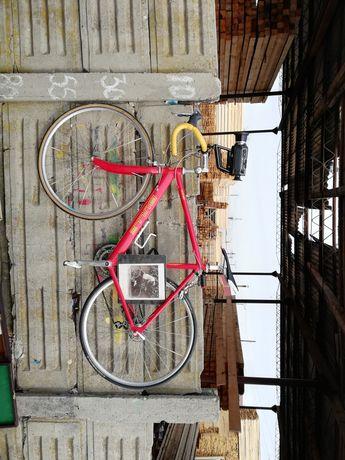 Bicicleta cursiera Bulls 105