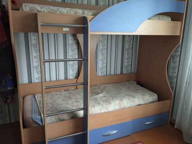 Детская двухярусная кровать.