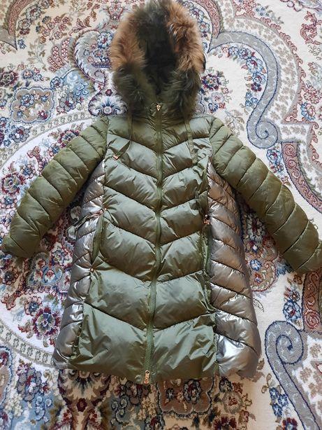 Зимняя куртка  на девочку на рост 152