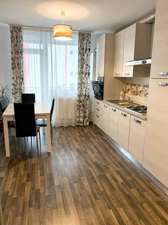 Apartament 3 camere, de închiriat