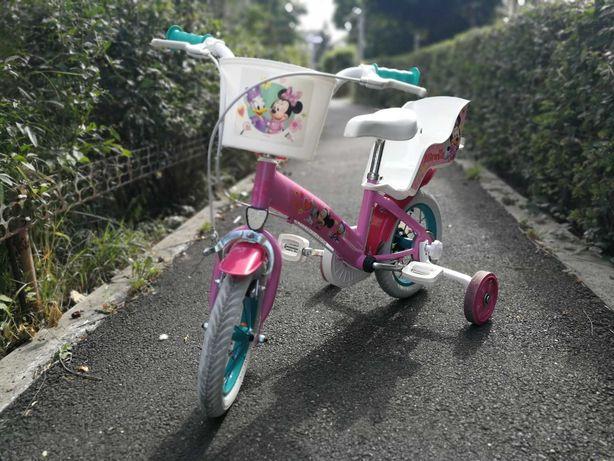 Vand bicicleta 12 inch pentru fetite