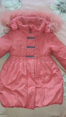 Продам две детские курточки  пальтишки))