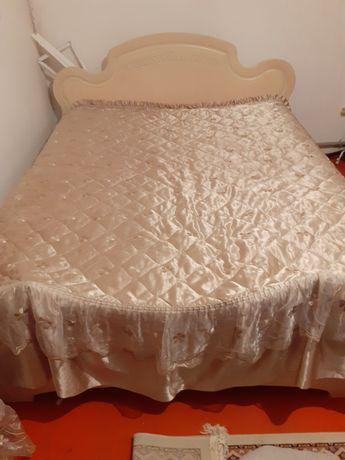 Спальни диван с матрасом,камод,Россия,цвет бежевый очень модный цвет