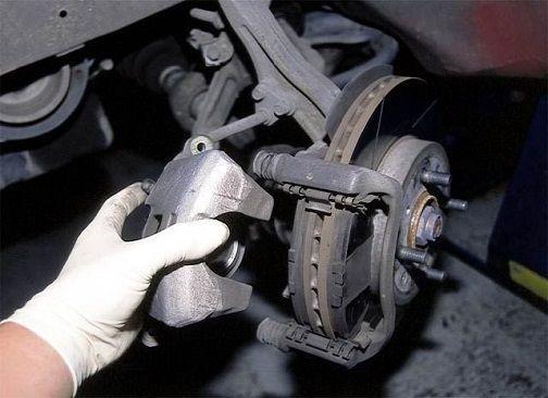 Reparație/Întreținere sisteme de frânare. Schimb plăcuțe de frână
