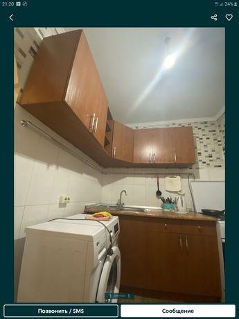 Продам срочно кухонный гарнитур и столик много разных мебели цены разн