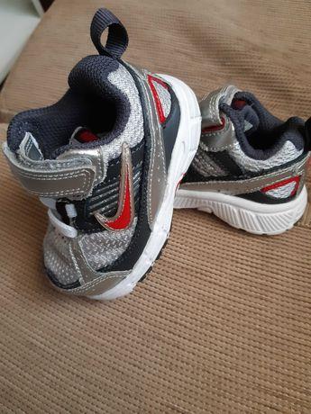 Оригинални бебешки маратонки