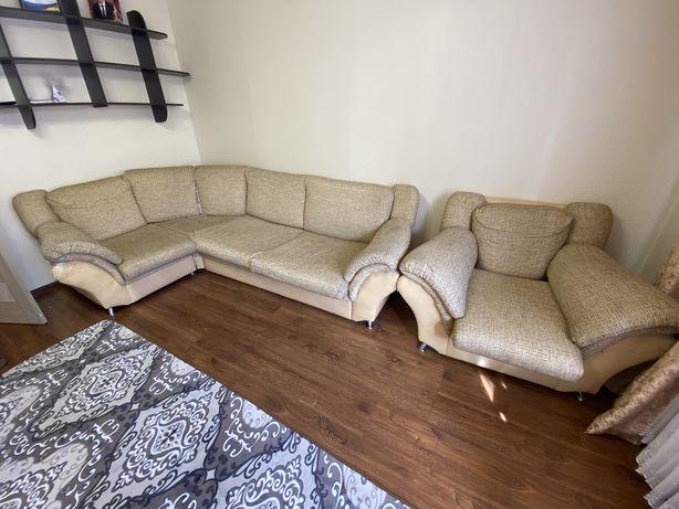Отдам бесплатно диван и кресло