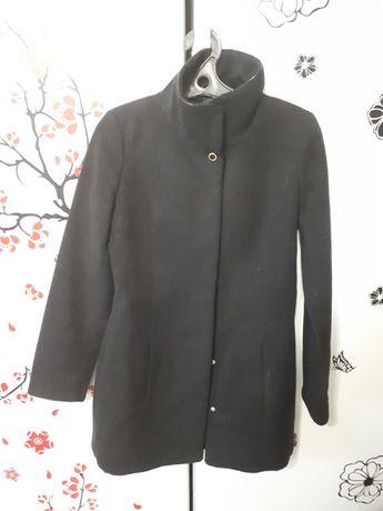 Продам пальто на 42 размер