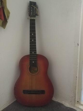 Гитара по 1000 тенге