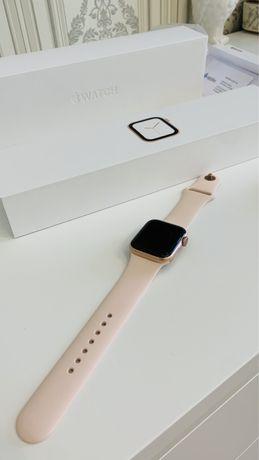 Продам Apple Watch 4, 40mm
