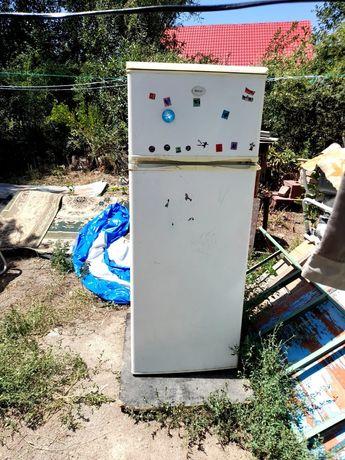 Холодильник  20 000 тг