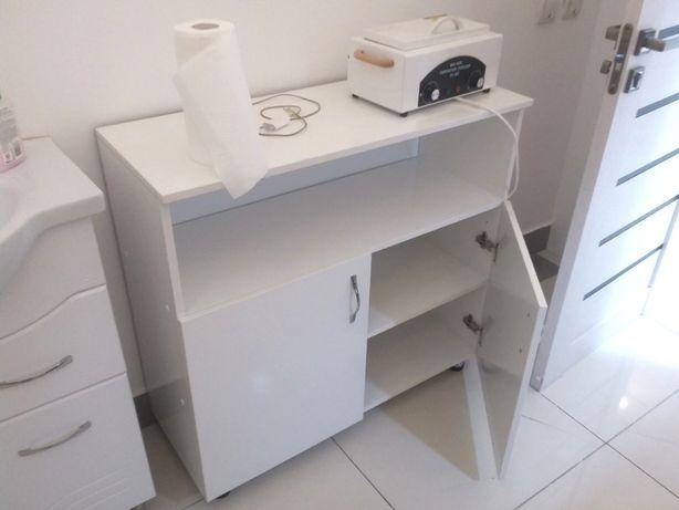 Комод для салона красоты или офиса - маникюрный стол.