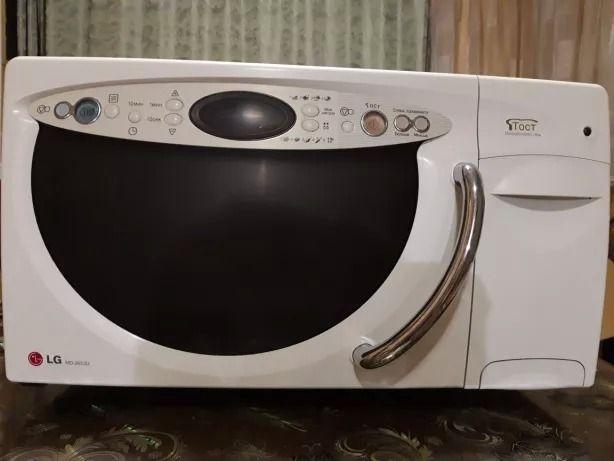 Крутая микроволновая печь с встроенным тостером LG микроволновка