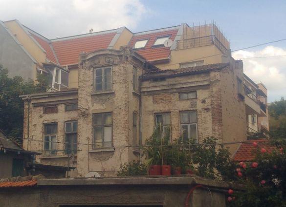 2-ри етаж от къща + тавански -Център, в близост до Ритуална зала Варна
