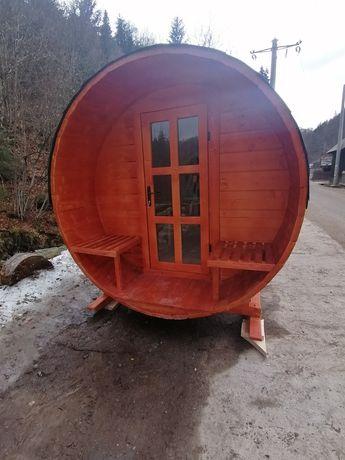 Saună tip butoi din lemn