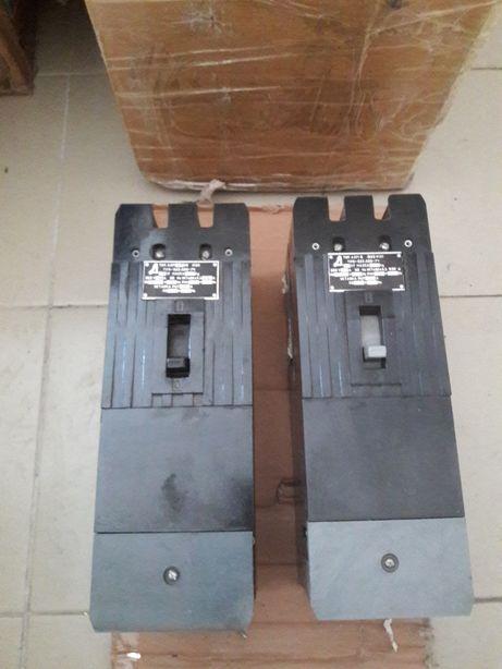 Автоматы - автоматический выключатель А3716.