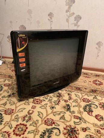 Самсунг телевизор сатылады багасы 10000тг келисемиз