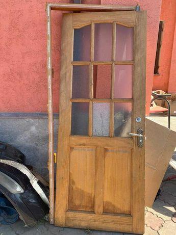 Продам дверь из дерева с коробкой