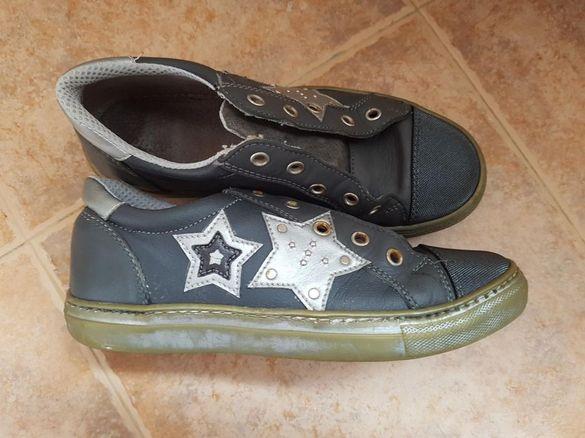 Обувки за момиче