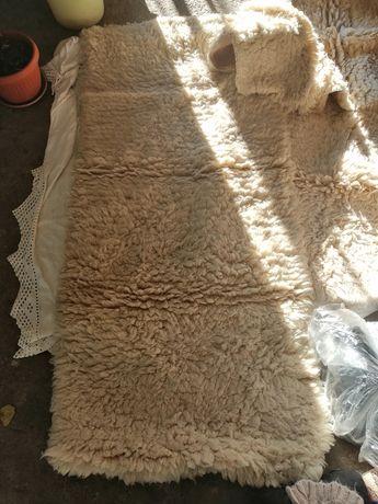 Китеници, килимчета и китеници за диван