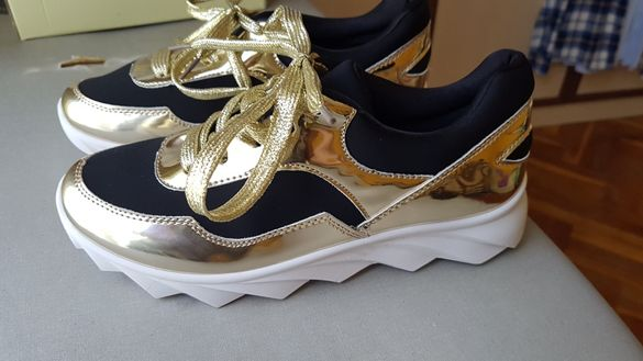 Спортни обувки 36-37 номер