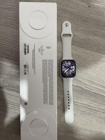 Apple watch SE 44 mm.