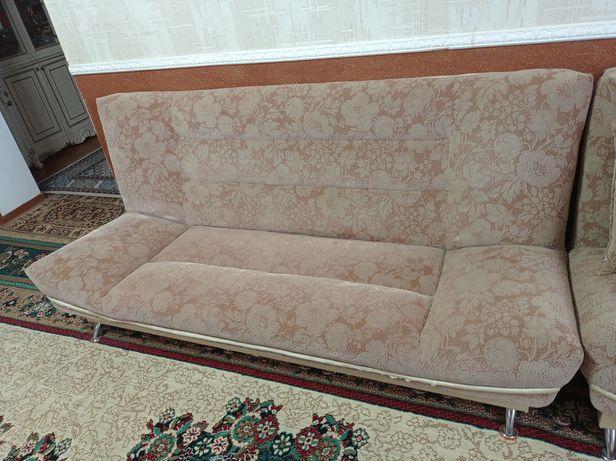 Продается диван с креслами