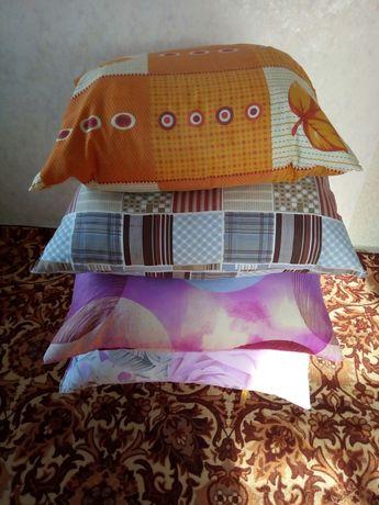 Одеяло по-900тен шт.Подушки пух 70/70-2000тен.цена окончательно.