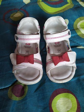 Бебешки сандали ест.кожа 20 и 22 номер