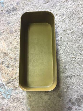 Метална кутия