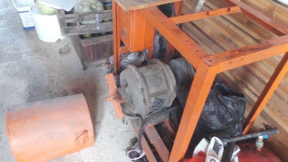 Циркуляр, мощен трифазен мотор 3.3 киловата