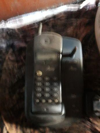 Продам телефон трубку  работал щас не знаю блок питания есть.германия