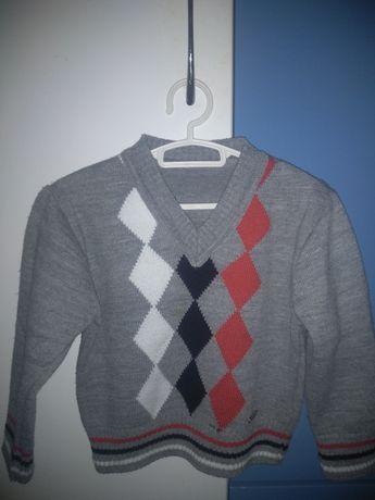 Продам  детский свитер !