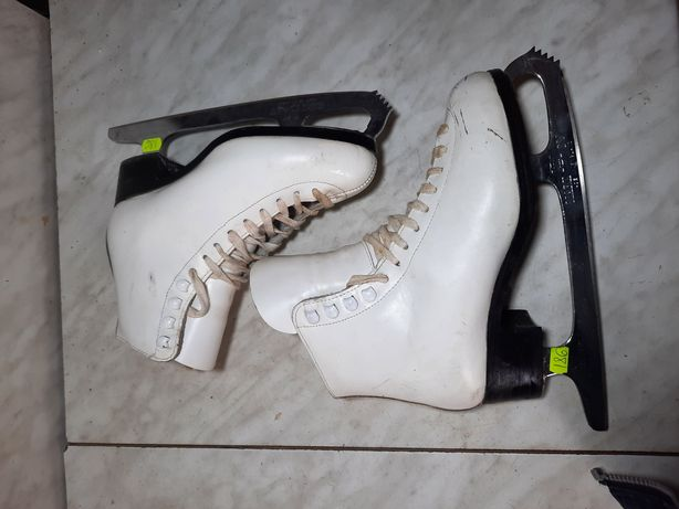 Patine gheata 186 patinaj artistic din piele marime eu 35 (22,5  cm)