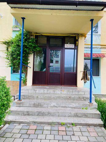 Vand apartament cu 2 camere Zavoi Comanesti Complet mobilat