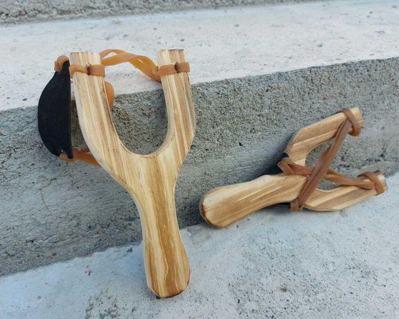 Prastie din lemn foarte usoara facuta din lemn cu coarda elastica