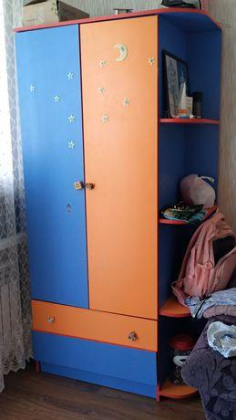 Детская мебель. Шкаф, кровать