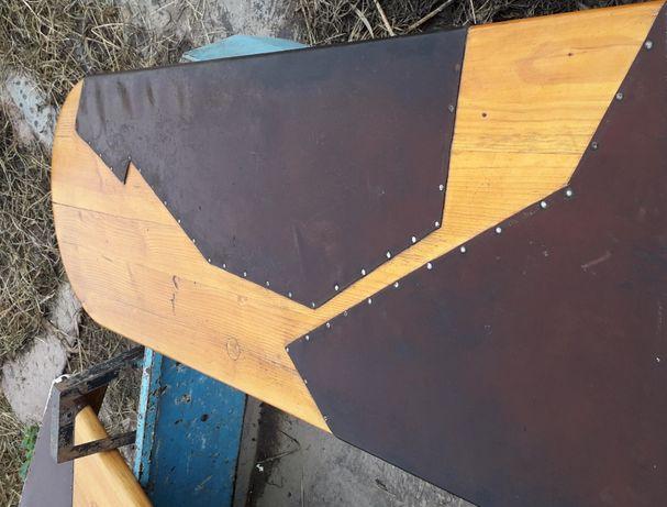 Vand mobilier de bar din lemn masiv, 700 euro