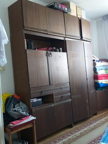 Мебель старый бесплатно можете забрать
